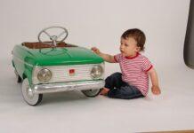 jaki samochód na pedały wybrać dla dziecka?