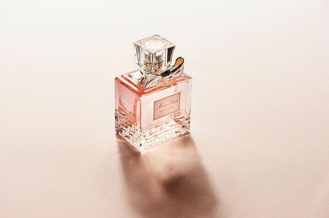 Czy chcesz kupować perfumy luksusowego domu mody